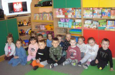 Przedszkolaki uczciły majowe święta narodowe